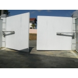 instalação de portão automático pivotante Parque do Carmo